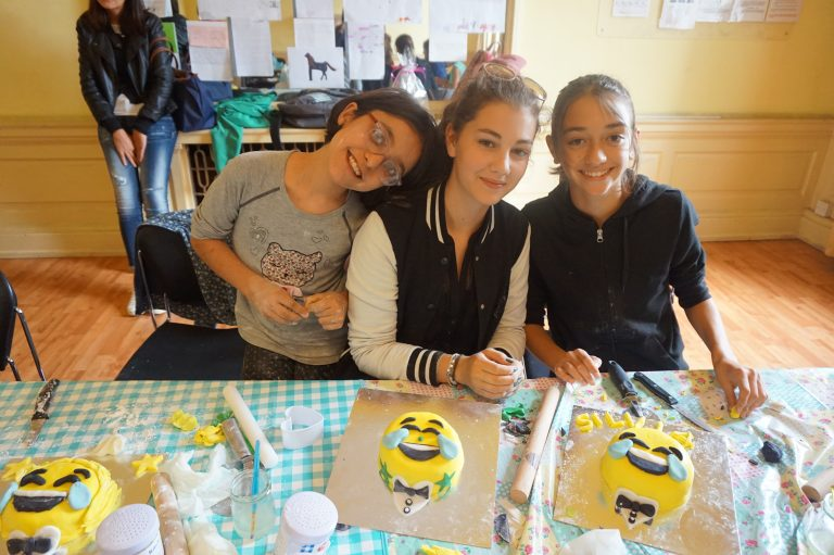 Family Prog Dublin - Cake Decorating Activity 1